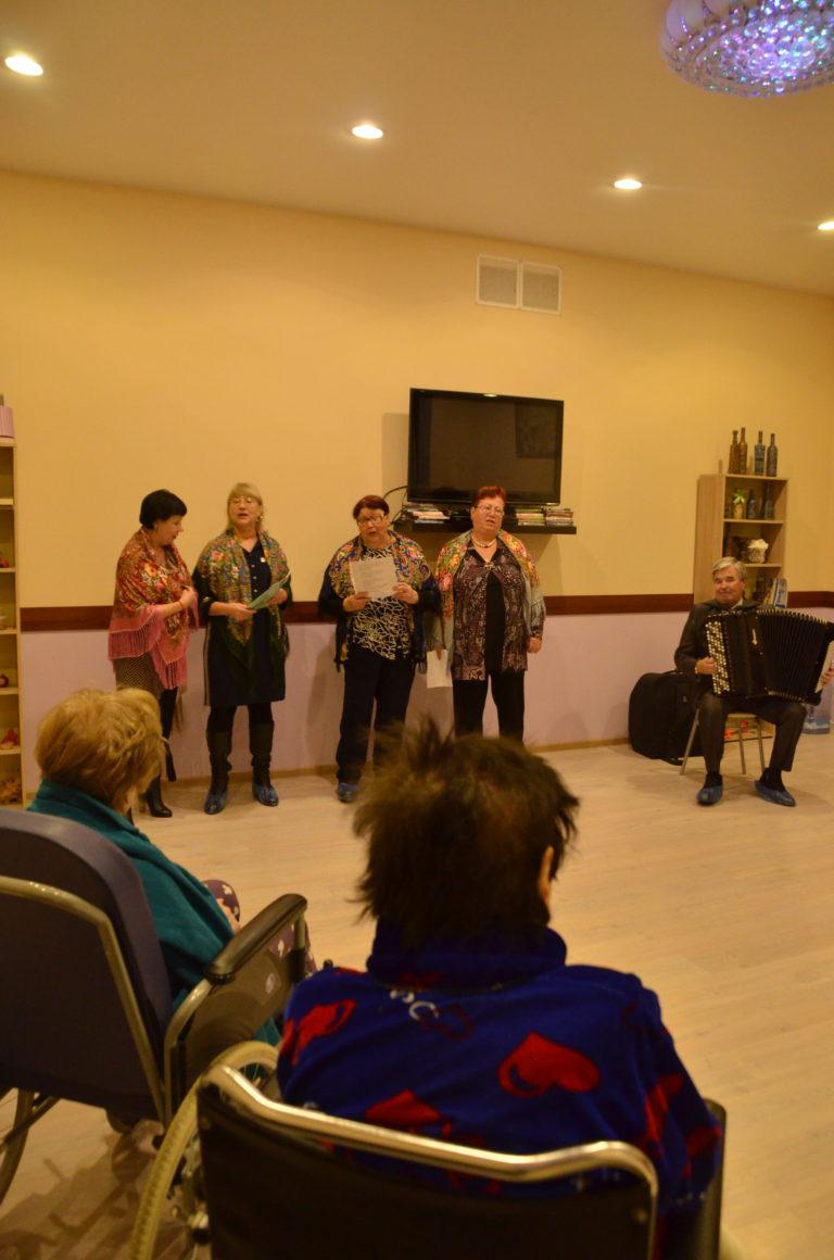 В пансионате «Лосиный остров» выступил коллектив дома культуры «Загорянский»